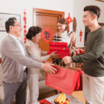 How to be a good guest in a Chinese home?