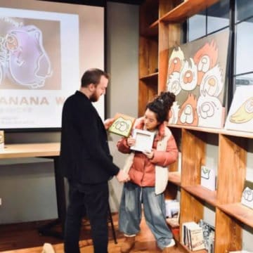 An interview with Shanghai artist Banana at our Mandarin school
